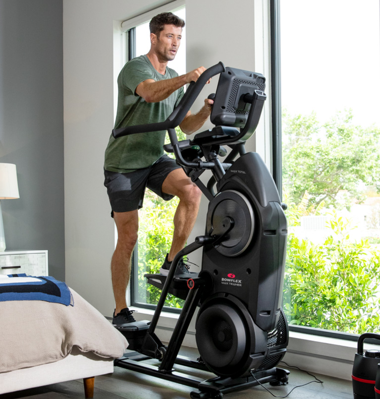 Man using a Max Trainer